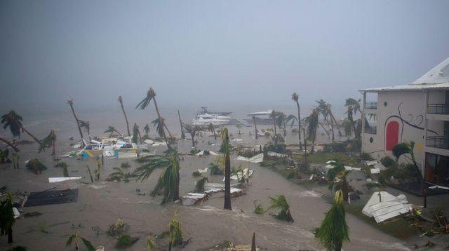 l hotel mercure a marigot sur l ile de saint martin devaste apres le passage de l ouragan irma le 6 septembre 2017_5940924 1